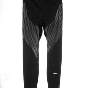 NIKE Zonal Strength Tight – 831128-011